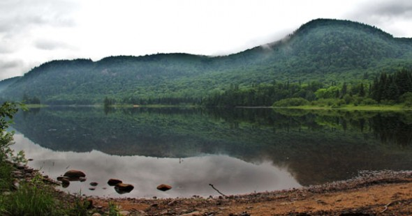Je crois que c'est bien ça, un lac miroir! Wow! secteur Mont-Tremblant