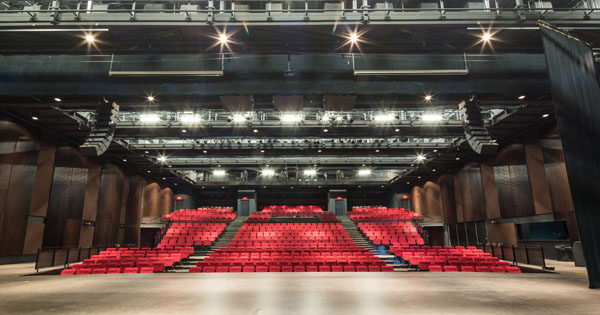 Espace_Theatre_2