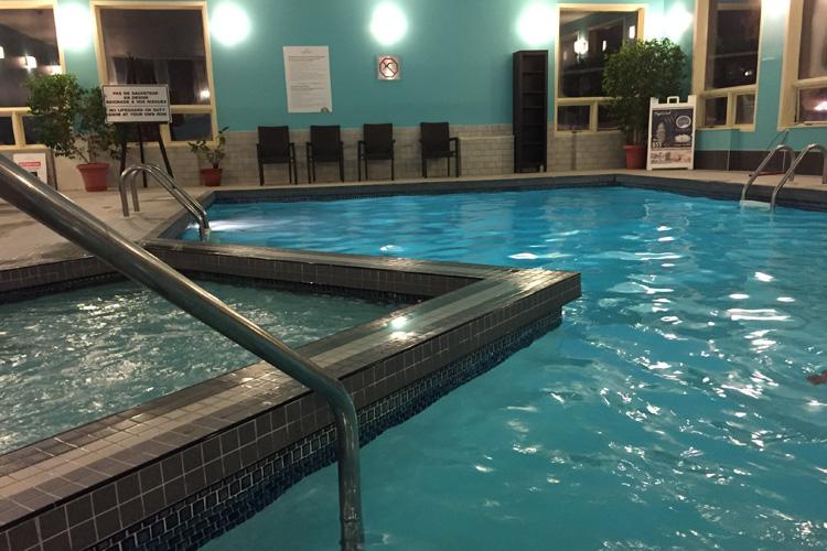 mont_gabriel_piscine