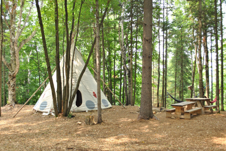 chimo_refuges_teepee_saint_sauveur_1